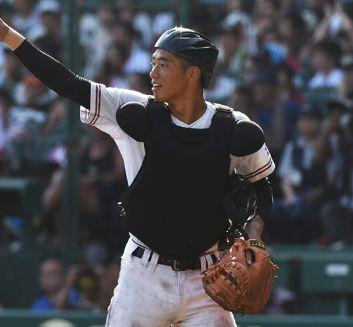 高校野球歴代ベストナイン・中村奨成